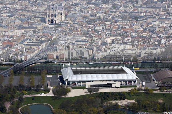 Sarpanta metalica pentru Stadionul Grenoble