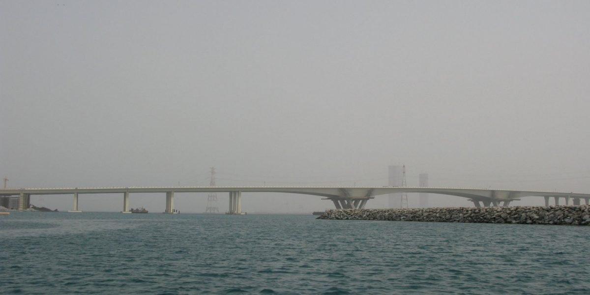 Cantilever carriage for Saadiyat Bridge